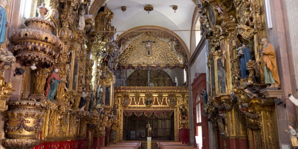 Templo_de_Santa_Clara_Vista_Posterior-1050x525