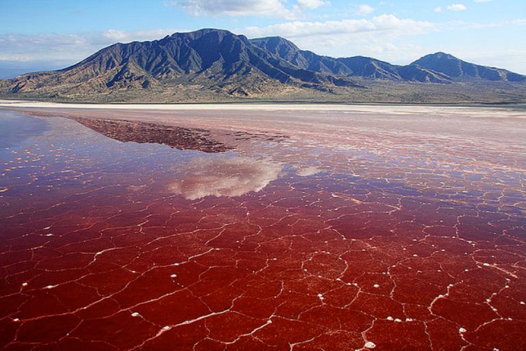 23-lago-rojo-de-natron