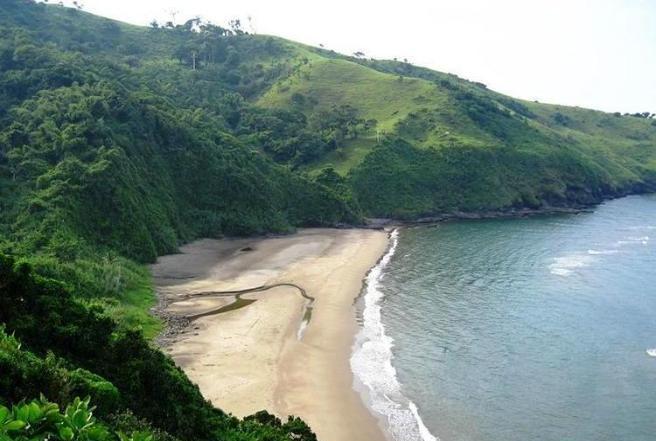10. Playa Escondida