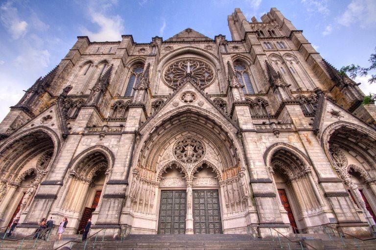 22. Visitar la Catedral de San Juan el Divino