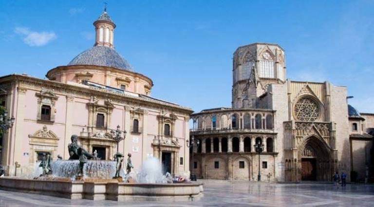 4. Basílica de la Virgen de los Desamparados