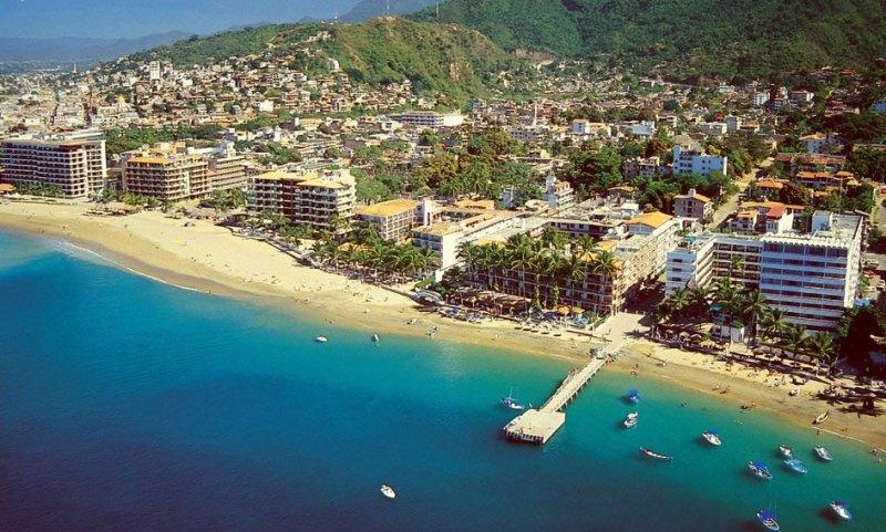 5. Playa Los Muertos