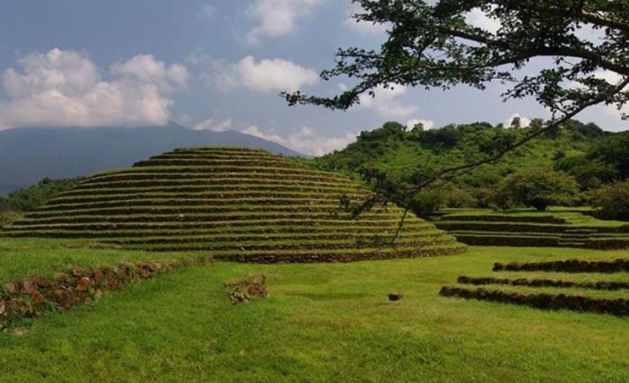 5. Zona Arqueológica Guachimontones