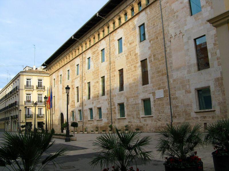 9. Palacio de Las Cortes