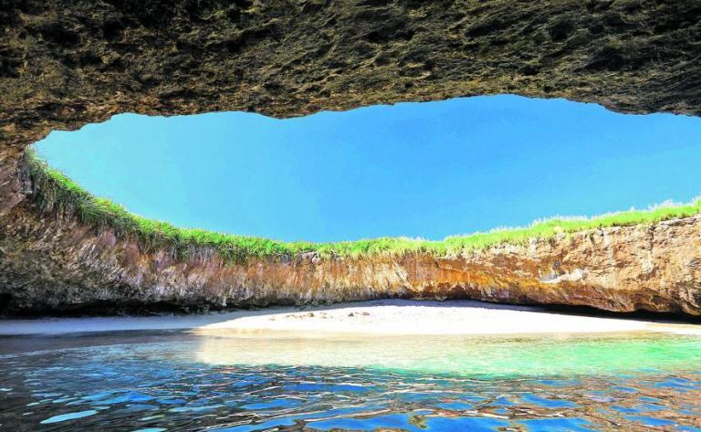 5. Islas Marietas