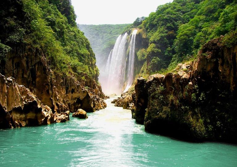 13. Cascada de Tamul, San Luis Potosí