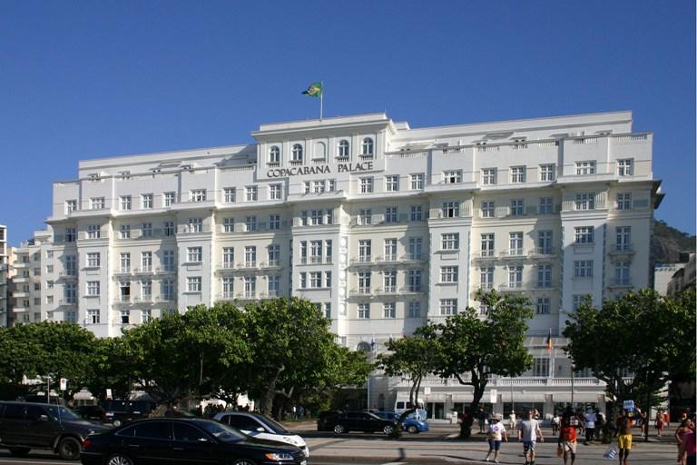 13. Palacio Copacabana