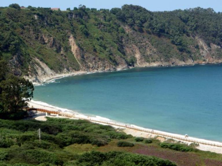 13. Playa de La Concha de Artedo