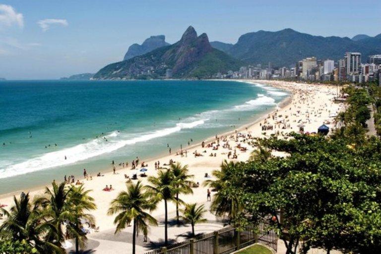 2. Ipanema (barrio y playa famosa)