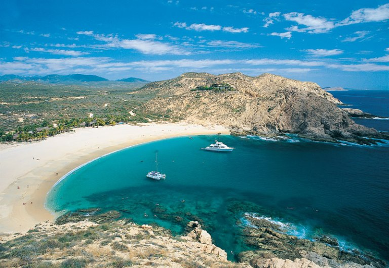 2. Playa Santa María