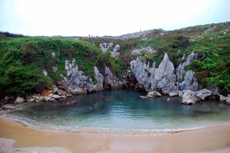 20. Playa de Gulpiyuri, Asturias
