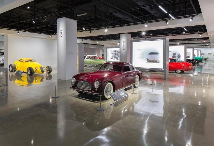 38. Museo Petersen Automotive