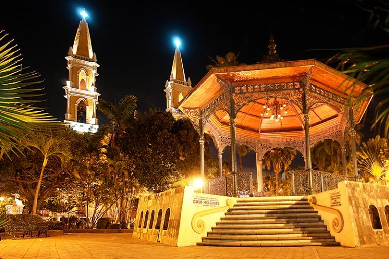 4. Plazuelas República y Machado