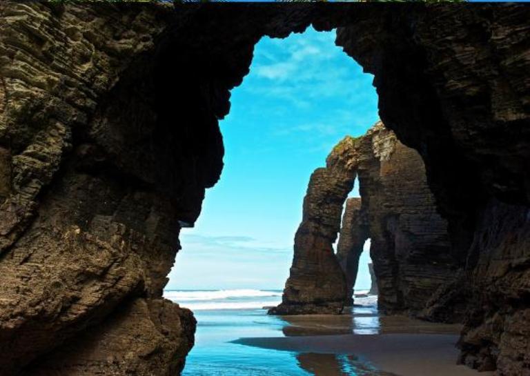 6. Playas de Las Catedrales, Lugo