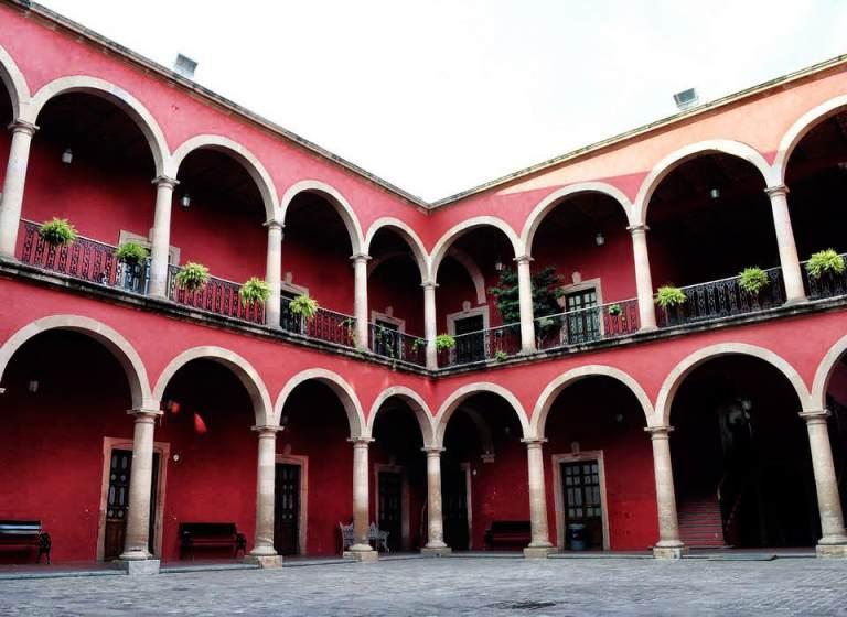 De La Calzada Hotel