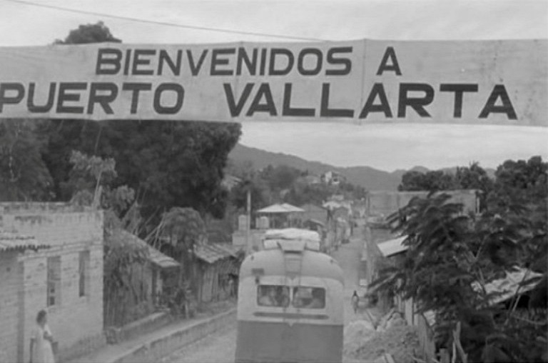 24. ¿Cuándo alcanzó Puerto Vallarta la categoría de ciudad