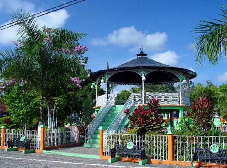 24. ¿Y San Vicente Tancuayalab