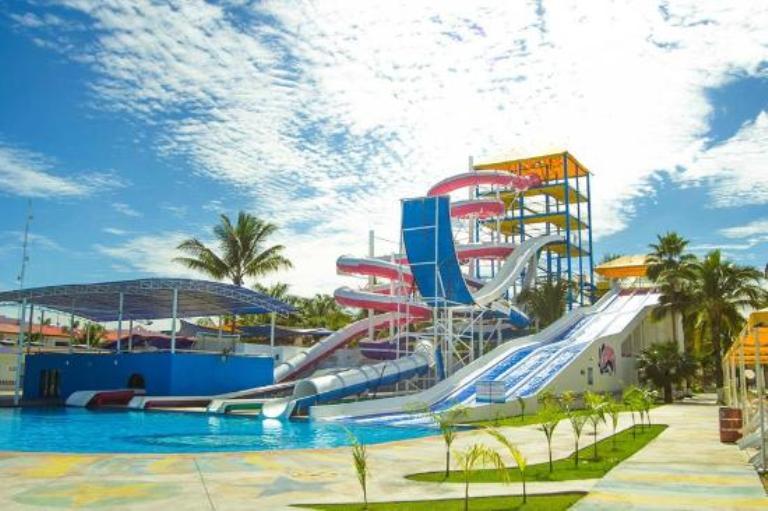 4. Visita el Parque Acuático Splash