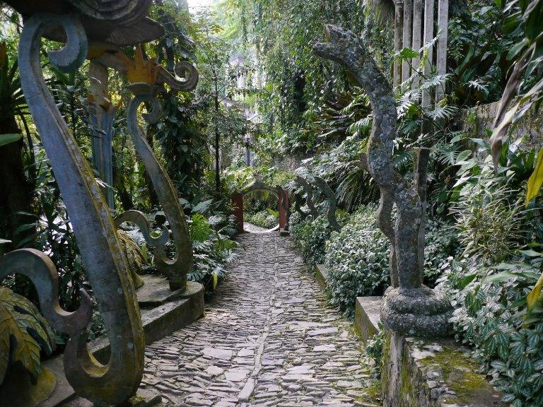 8. ¿Y por qué hizo su Jardín Surrealista