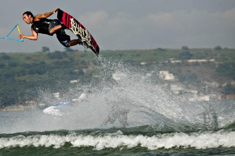 14-el-lago-es-bueno-para-el-wakeboard