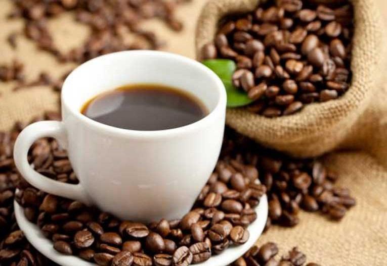 14. Degusta su café y sus jugos de frutas