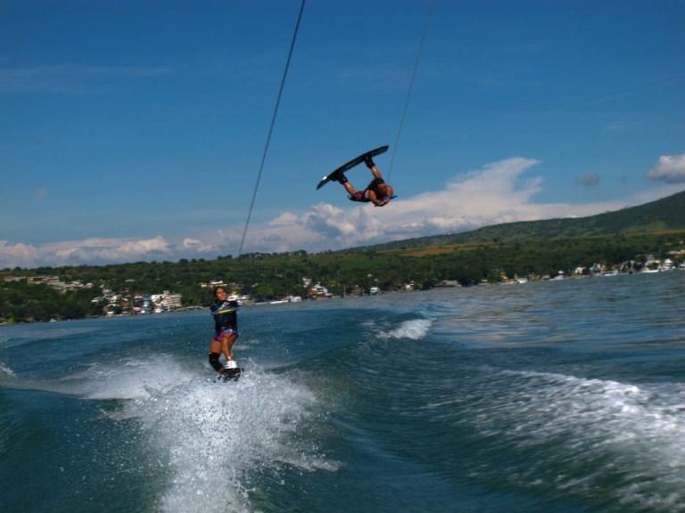 15-con-quien-aprendo-la-practica-del-wakeboard-en-teques