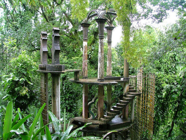 5. Recorre el Jardín Surrealista Edward James
