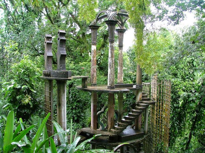 5. Recorre el Jardín Surrealista Edward James