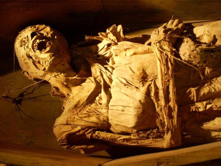 8-leyenda-de-las-momias