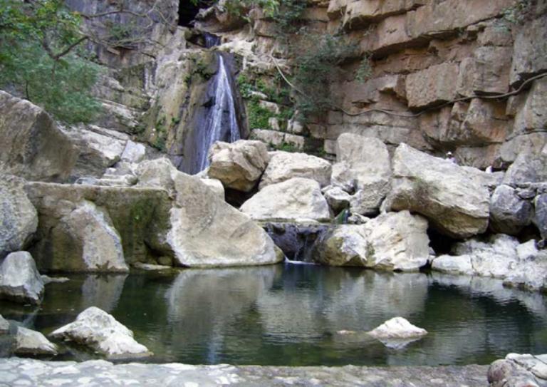15-hay-aguas-termales-y-cascadas
