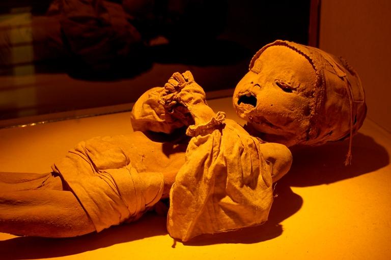 9-es-cierto-que-algunos-cuerpos-fueron-embalsamados
