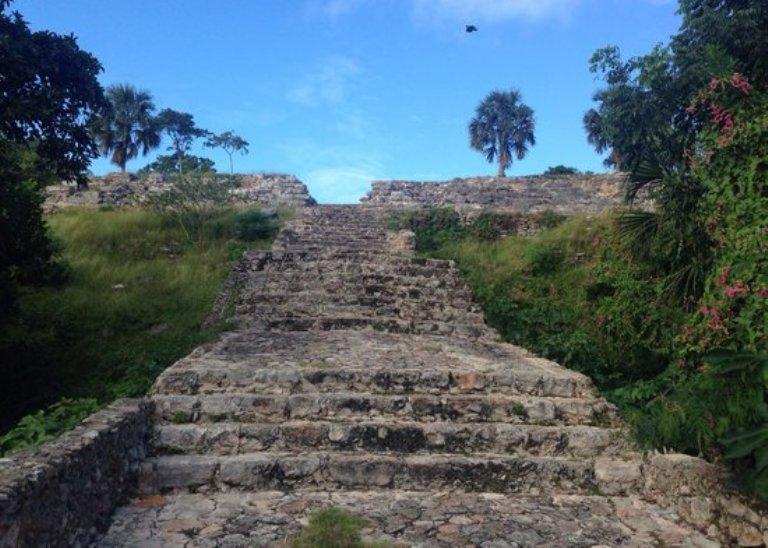 13-que-es-lo-mas-destacable-de-la-zona-arqueologica-de-izamal