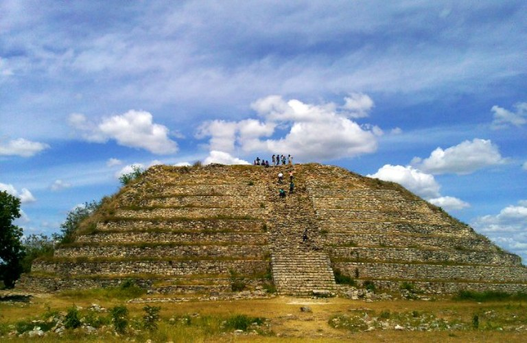 14-como-es-la-piramide-de-kinich-kak-moo
