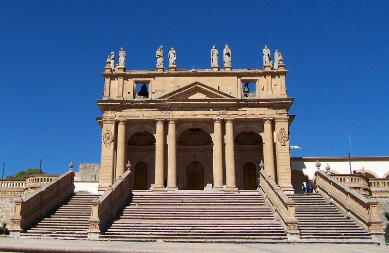 9-que-sobresale-en-el-templo-del-calvario