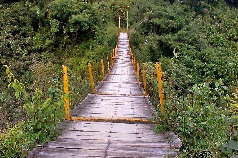 7-donde-se-encuentra-el-puente-colgante-miguel-hidalgo-y-costilla