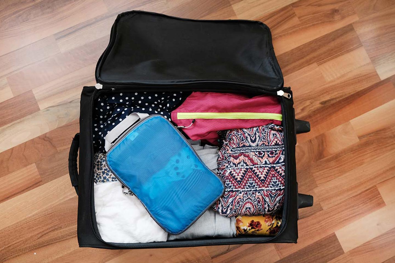 Qué Llevar En Una Maleta De Viaje 29 Cosas Imprescindibles Lista De Viaje Tips Para Tu Viaje